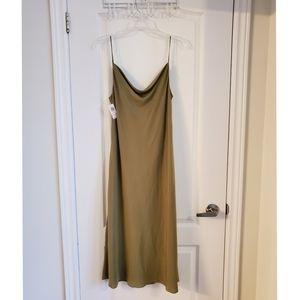BNWT Aritzia Cowl Neck Dress in Beautiful Green.